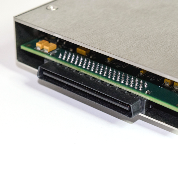 dual-mirrored-scsi-ssd-back600